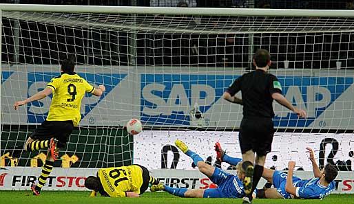Das letzte mal als wir in Hoffenheim gewonnen haben war am 16.12.2012, also ungefähr 8 Jahre her. Ich hab also wenig Angst vor dem Spiel am Wochenende. Hoffenheim ist sowas wie unser Angstgegner. Wir sahen in den letzten Spielen unfassbar schlecht gegen die aus. 🥴  #BVB https://t.co/22jmXXk7rT