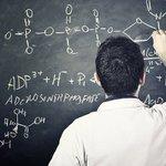 Image for the Tweet beginning: Professores brasileiros ganham metade do