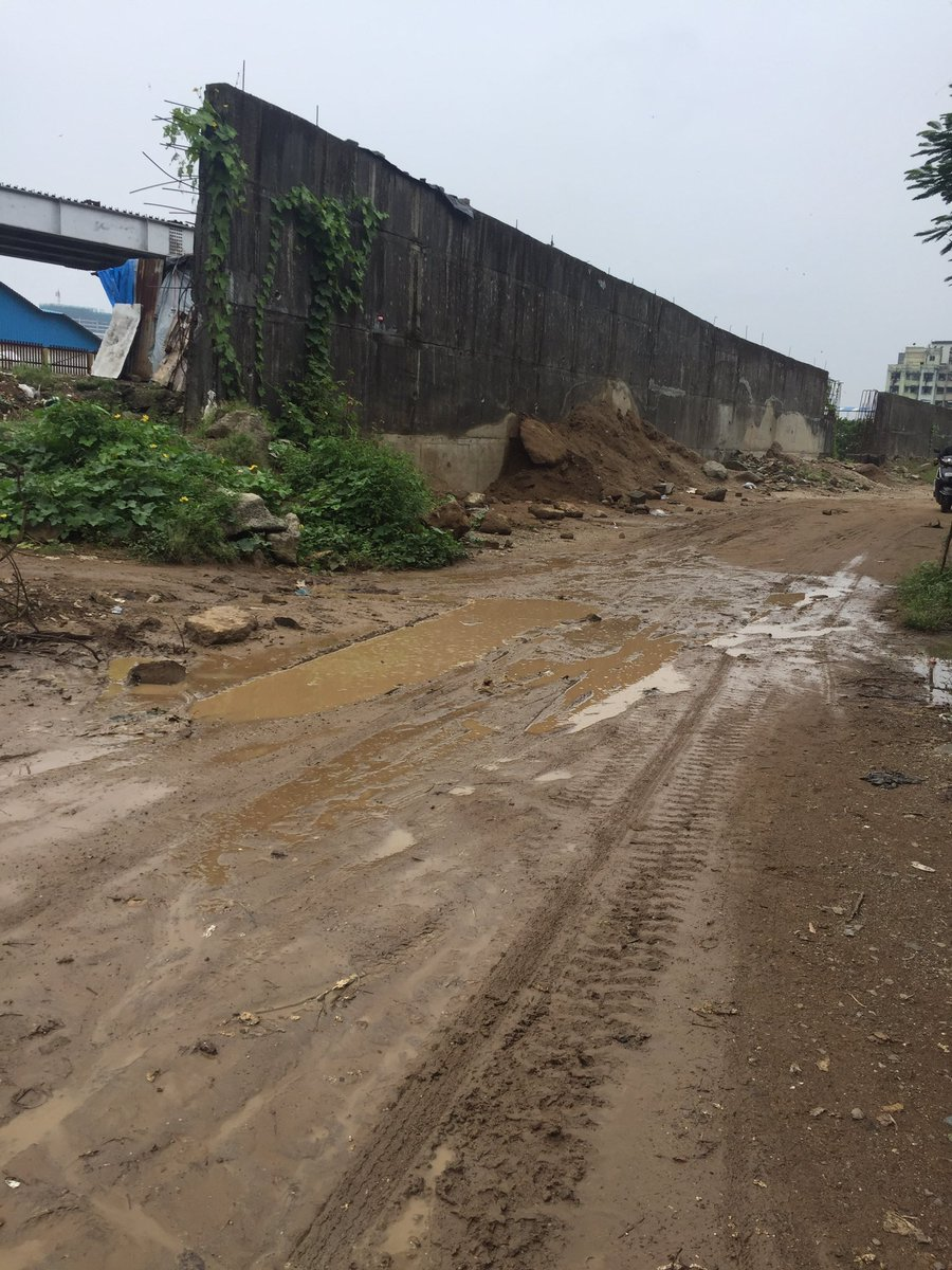 Sir i would like to bring it to your notice that Navpada Kabrastan road need maintenance urgently recently one dead body felt down in water while going towards Shamsan bhoomi that was very heartbreaking kindly look into it.. @CMOMaharashtra @AUThackeray @zeeshan_iyc https://t.co/0g1Q8MCBB6 https://t.co/BHBQ2HibvW