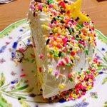 カラースプレーが大好物!ケーキや雪見大福にもかけちゃう!?w
