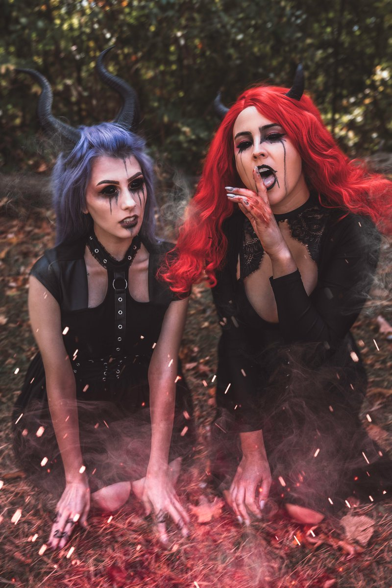 Demon babes coming to ruin your life and eat your soul 🌟 with @rolyatistaylor