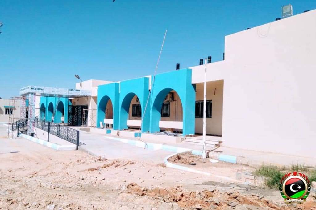 Al Dhahra hospital in #BaniWalid reaching its final stages of construction. Capacity of 60 beds, ER, radiology, lab, blood bank, pharmacy, surgical department, isolation unit.  Includes oxygen plant, cam surveillance and airconditioning.  #libya #ليبيا #بني_وليد https://t.co/zHjVoCxf2S