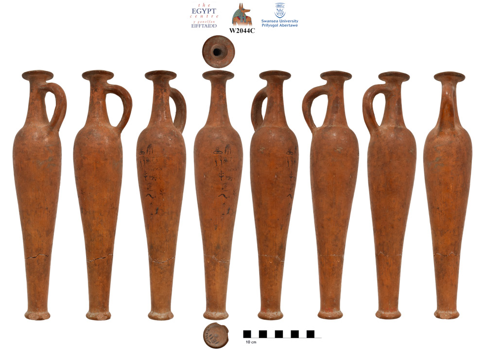 69 new photos just added to @TheEgyptCentre online catalogue, including this beautiful Red Lustrous Wheel-Made (RLWM) spindle bottle. New photography of the object was requested by the Robert Merrillees, the leading authority on these, who spotted it on the catalogue. #Impact https://t.co/zPy4N5Tc8y
