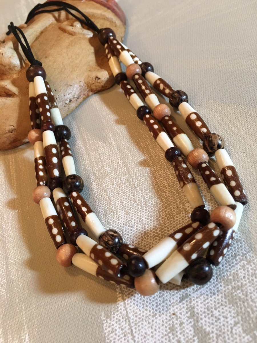 Bone and wood Beaded necklace, bone tube beads, hippie, tribal, african, chord necklace, Statement necklace, Boho, adjustable, brown https://t.co/FGyQFtdp7q #Turquoisejewelry #Bridaljewelry #Handmadejewelry #Bohochic #Jaspernecklace #WoodBeads https://t.co/5wBWbW8UWA