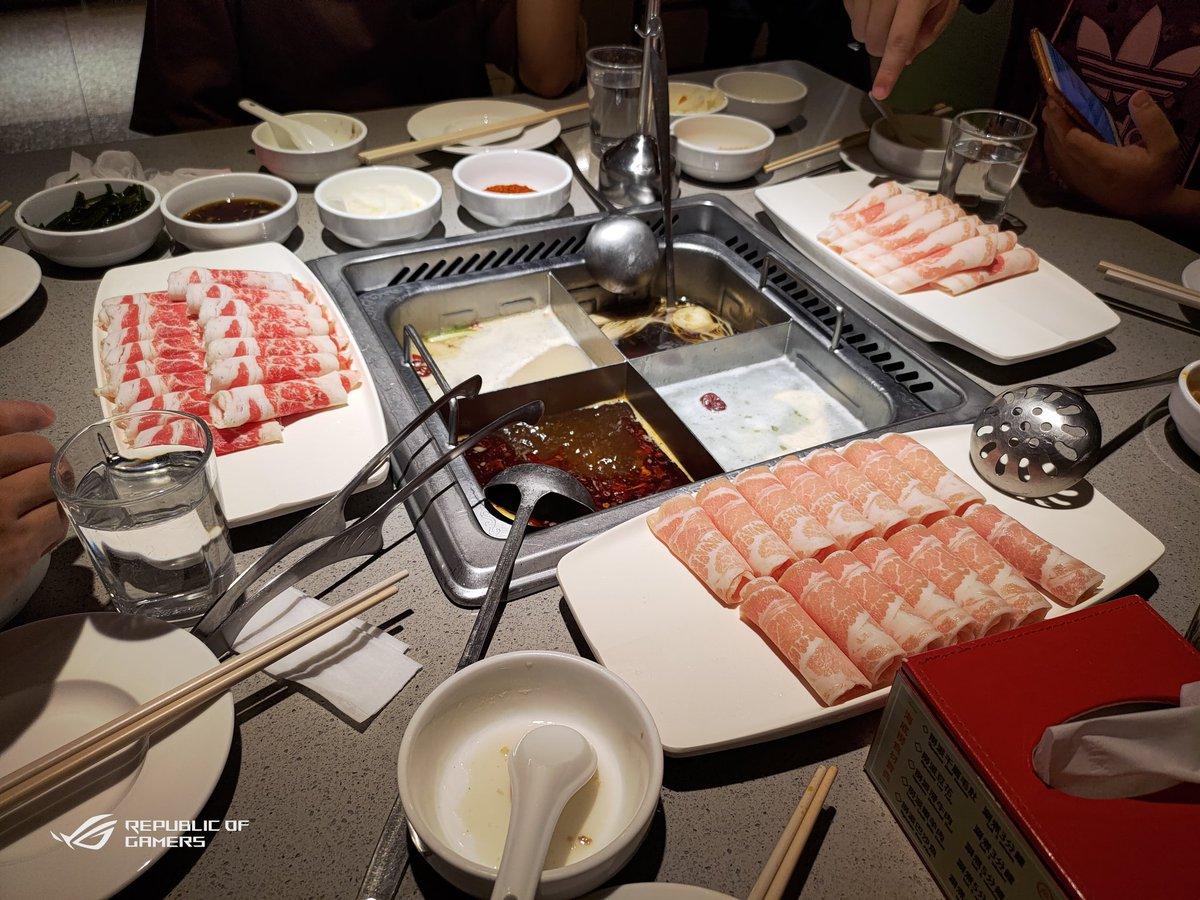 同僚と一緒に食事をします~  #海底撈 https://t.co/jicU8ZZjsC