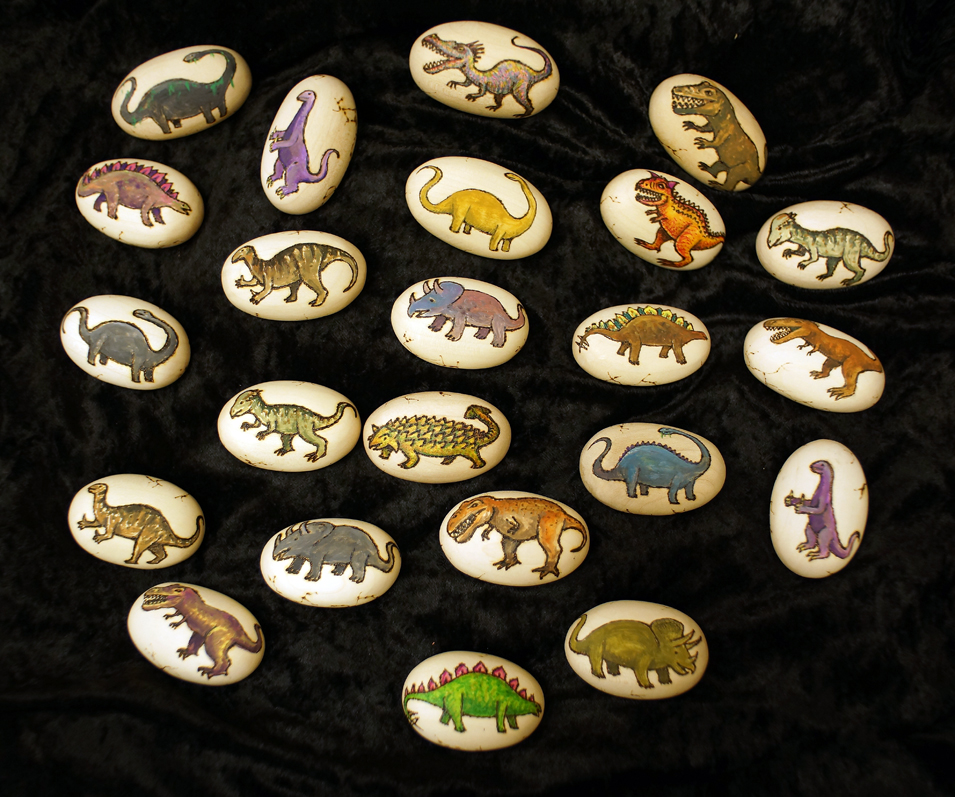 These dinosaur eggs individually hand pyrographed and painted by us at Timber Treasures make great stocking fillers for dino-mad kids! #dinosaur #dinosaureggs #woodengifts #wooden #WoodenToys #SupportLocalBusinesses #shopsalisbury #Bath https://t.co/xrdnziPszQ