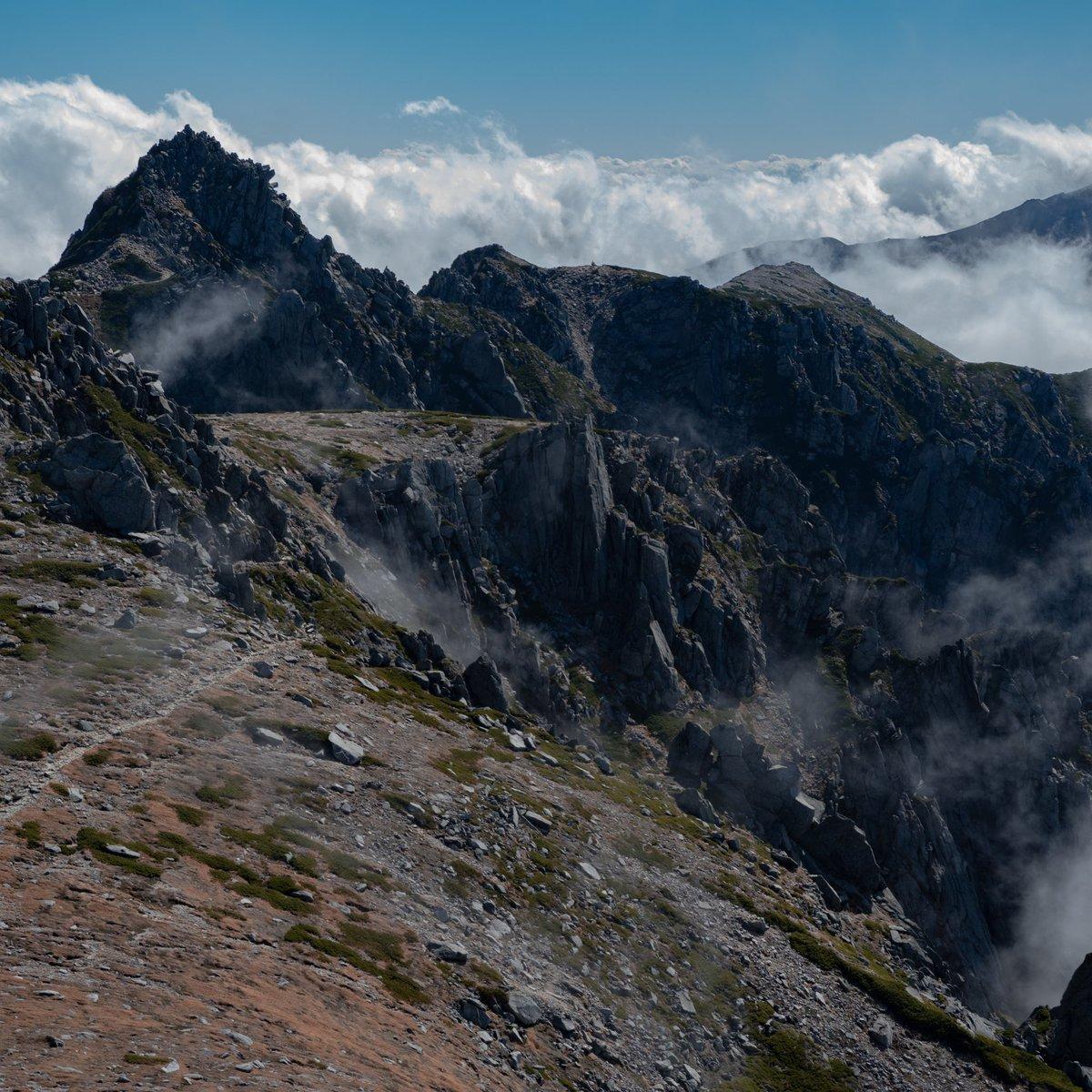 やっぱり1:1すごい好き そして山は本当にいい #PENTAX #風景写真 #山岳風景 https://t.co/iXUpRWFJF0