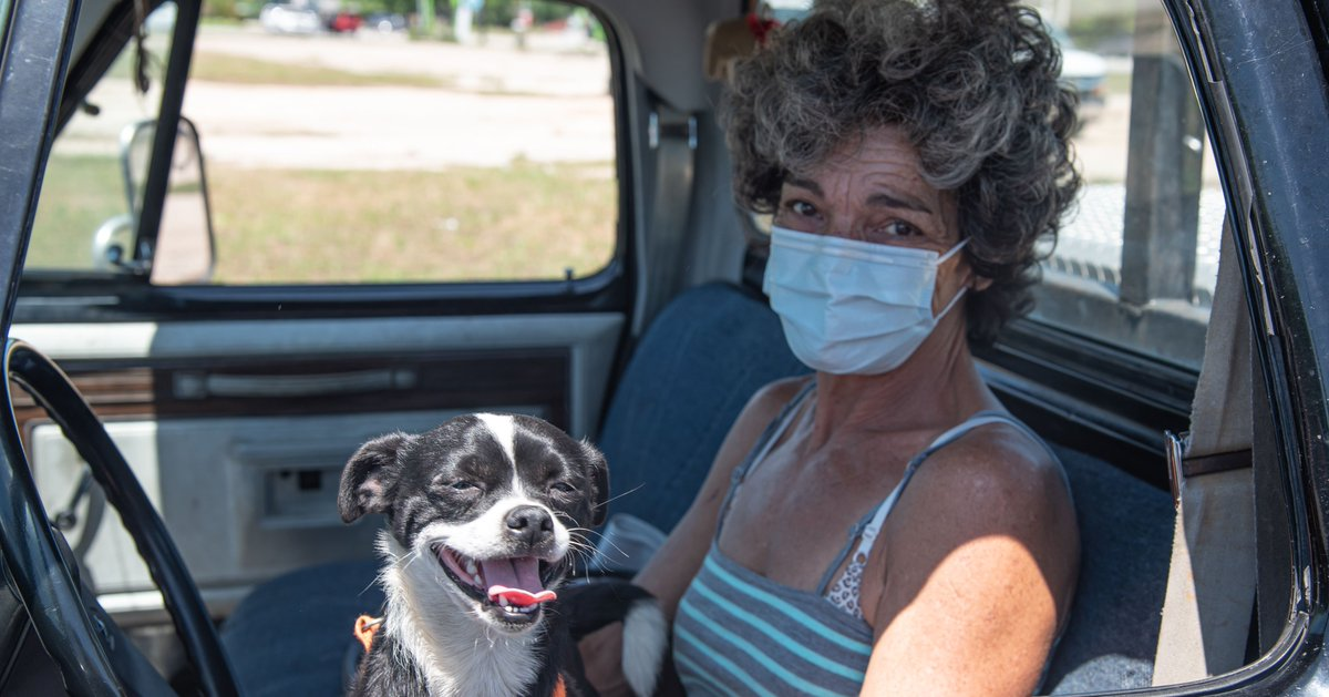 """""""I live a solitary life on a small farm with my dog. And the honest truth is that these food distributions save us. We wouldn't be able to survive the next month without the help from the food bank."""" -Monica   You can help your neighbors like Monica. https://t.co/TU8HJPIYjU https://t.co/Yfd8nYOwIm"""