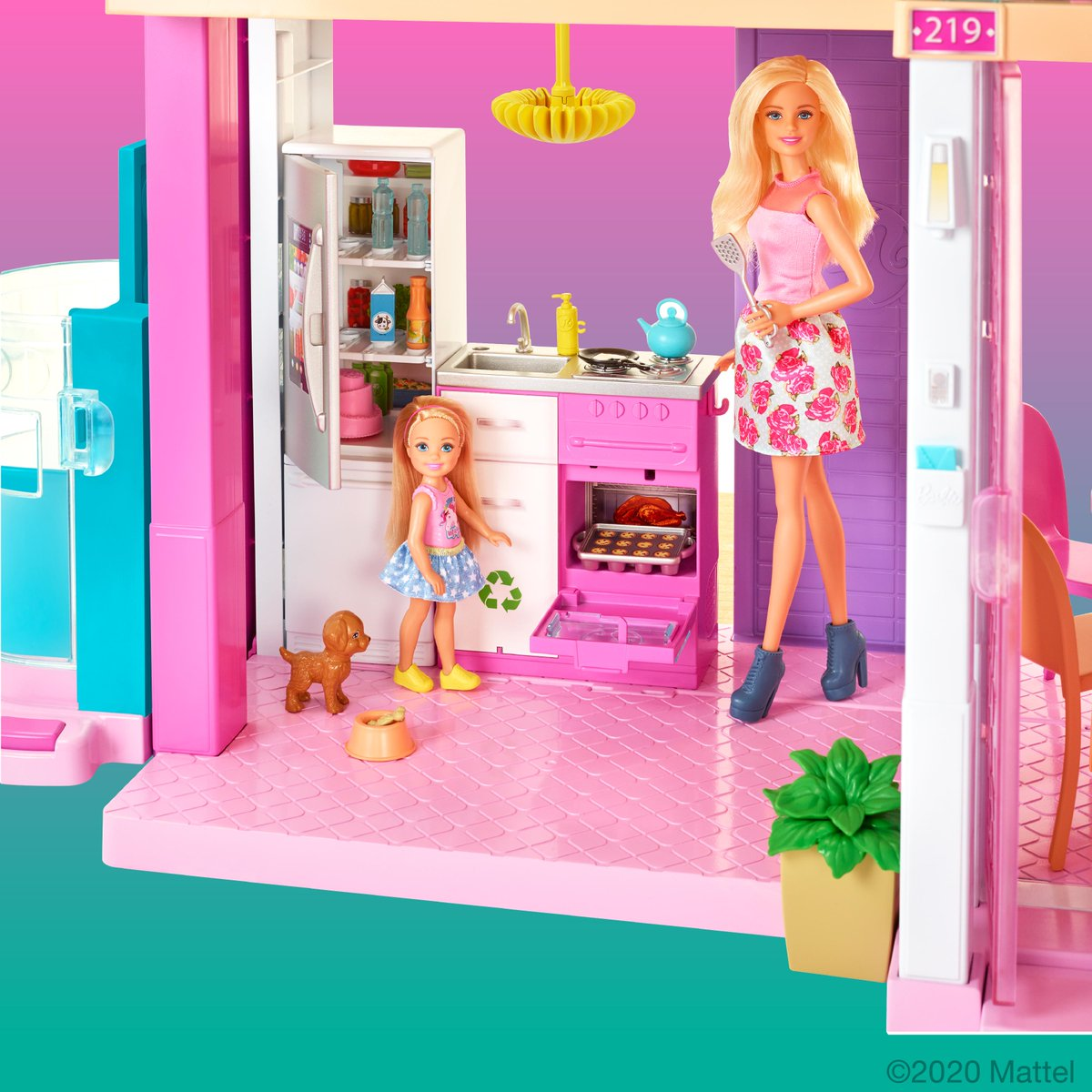 Staying at home? Sounds like a dream! 🏠 See what's going on in the #Barbie Dreamhouse today. dolltasti.cc/Dreamhouse2020…