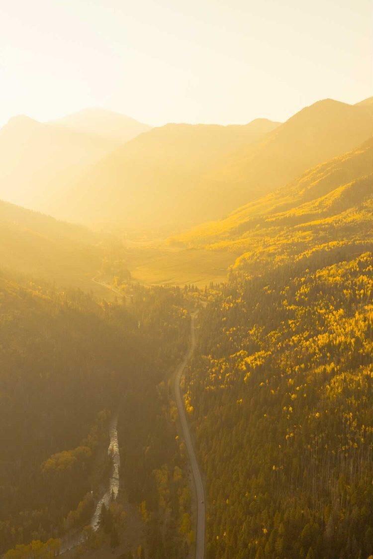 Golden hour is a little extra in autumn. ( 📷 : Jairo Carrasco ) https://t.co/rMV0SJCDCc
