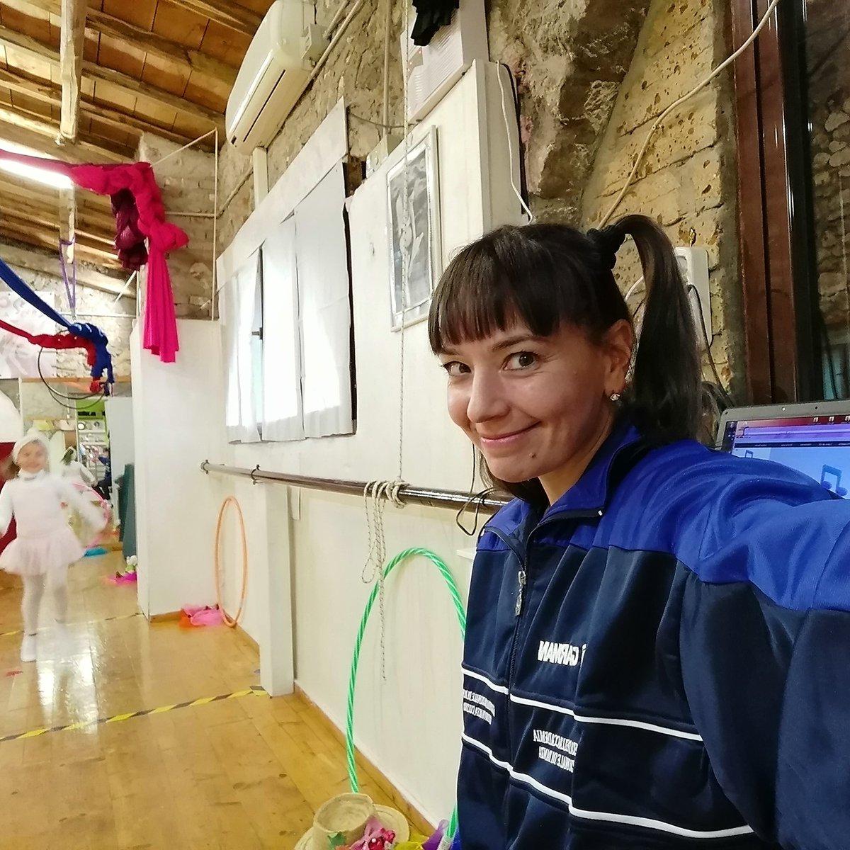 Today #piccole #pesti #arrivano #dancer #choreographer #teacher #exercises #pictures #picoftheday #dancerlife #workoutroutine #instarai #instalike #instadancer #instalove #photooftheday https://t.co/5M9oY19dt3