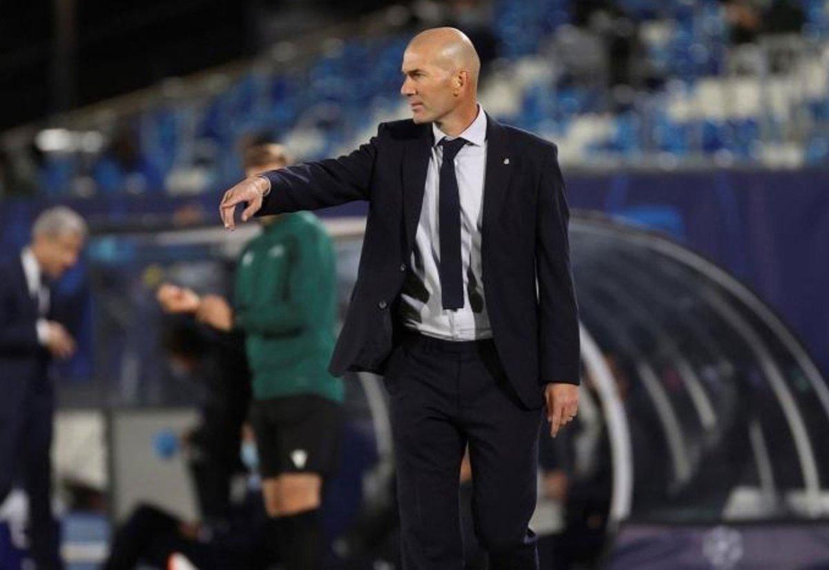Zidane tiene clarísimo el once con el que se jugará la 'cabeza' en el Camp Nou  https://t.co/ON4kBtlIET  #Zidane #ElClasico https://t.co/ab47F8qLyN