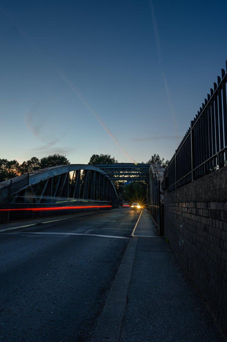 Good evening  Barton #road #swing #bridge over #Manchester #Ship #Canal #manchestershipcanal #swingbridge #waterways #night #cars #vehicles #light #lighttrails #evening #barton #patricroft #crossing #industrialrevolution @NikonatGrays @NikonProEurope @VisitSalford @visit_mcr https://t.co/Z3MesI5vg6