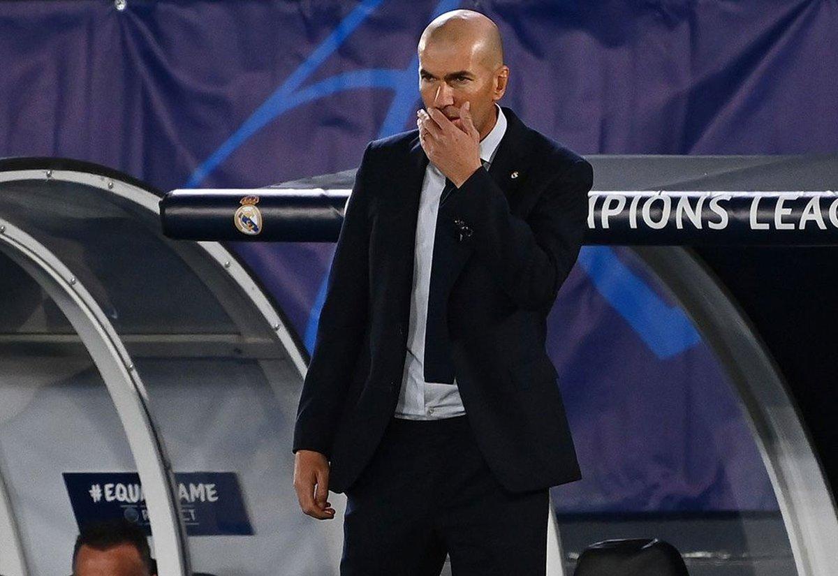 La opción galáctica que ponen en la órbita del Real Madrid si se va Zidane  https://t.co/PRvMYMP22i  #Zidane #RealMadrid https://t.co/XJ50mo613o