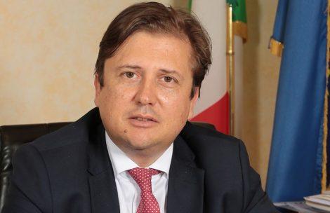 """""""Corsa ingiustificata al tampone, prima bisogna isolarsi"""", così il vice ministro Sileri - https://t.co/hCKmLEV0cz #blogsicilia #23ottobre #covid19"""