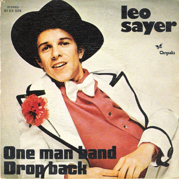Leo Sayer is your last Golden Hour Golden Nugget of the week! Plus songs from #Pilot @Suzi_Quatro #Mud @EricClapton and #Kenny. But what's the year? Last chance to grab Adventure Wonderland tickets for half term! https://t.co/IQU8pEVYJ3 @LeoSayerMusic @wonderlandparks https://t.co/sW0FHQrdPj