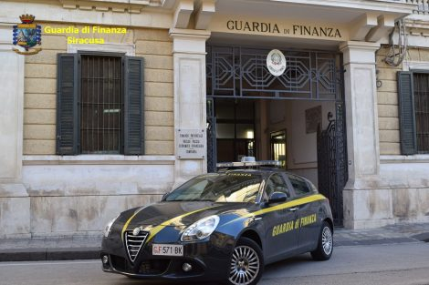 Insegue la sua ex in auto e le sbarra la strada, arrestato per stalking - https://t.co/N5k3yFNXqN #blogsicilianotizie