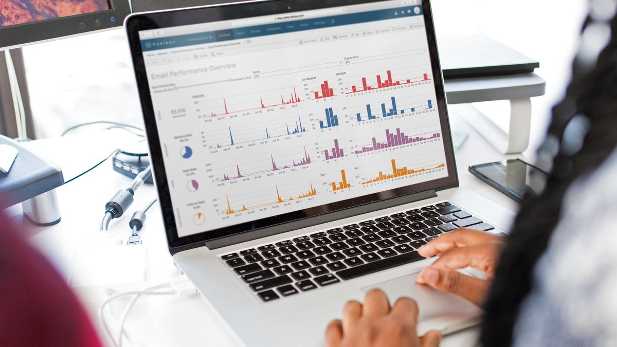 Join us - Intro to #Tableau, 26 November @ Quantum Analytics in Zürich. Learn essential Tableau Desktop skills & techniques, how to build #visualisations and combine them in interactive dashboards. More info & registration: https://t.co/yTFUP2pPRr