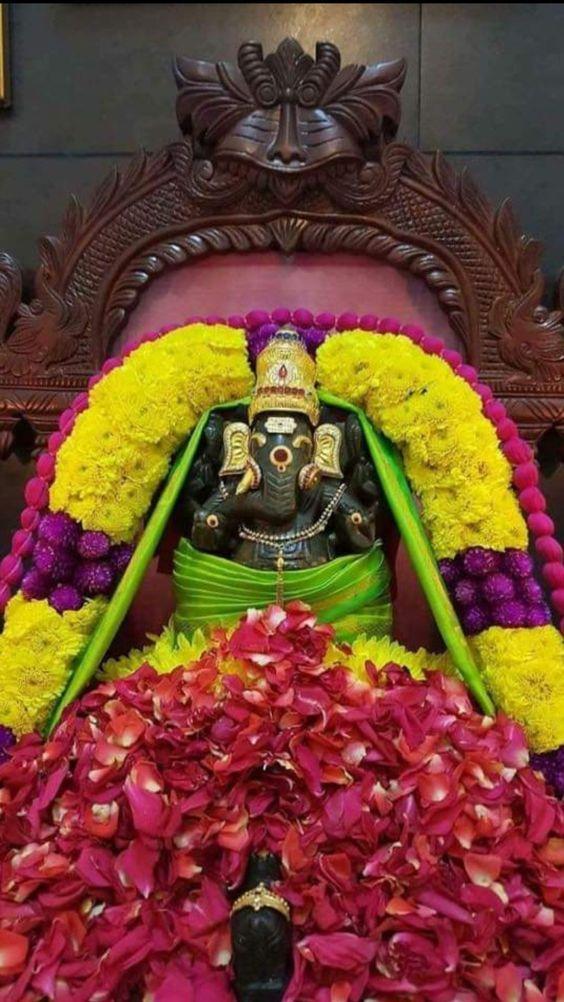 Photo Credit: Nalayni 121 from Pinterest ( https://t.co/zdNEZPBvW2 ) May #lordganesha bless all of us. #namastegod #ganesha #ganapathi #ganapathibappamoriya #jaiganesha #ganeshfestival #hindu #god #gajanan https://t.co/Vih5NnBY8J