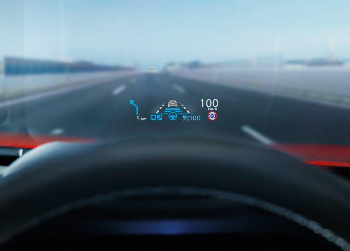 #プロパイロット 2.0では、制限速度を検知して表示でお知らせするだけではなく、作動中はその速度を越えないように走行することができます。3D高精度地図データの情報に加え、工事などで一時的に低い制限速度が設定されているときも、カメラで標識を認識して速度をコントロールします。 https://t.co/WGNmfJ8n5U