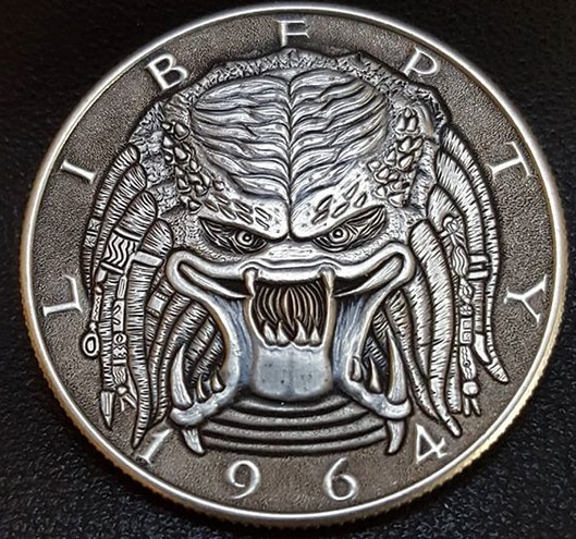 #HalloweenCountdown #Predator We cannot see it, but it sees the heat of our bodys and the heat of our fear #HoboNickel #CoinCarving by #EdwardRomero @eromero2921  #HorrorCoin #Movie #Halloween https://t.co/tMsoQdRYLC