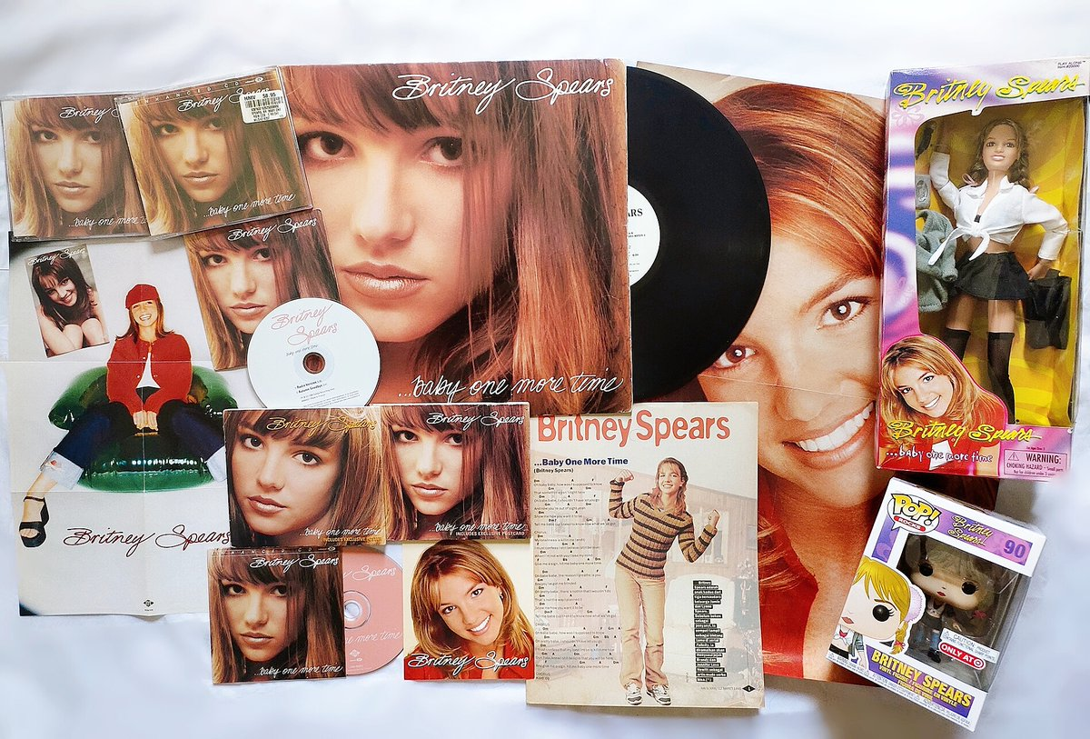 """22 years ago today, @britneyspears released her debut single """"Baby One More Time"""". The song was #1 worldwide & was one of the best selling singles of all time. Rolling Stone named this song as one of the best songs in HISTORY!  It was released on October 23, 1998. #BritneySpears https://t.co/jfBviKvY7q"""