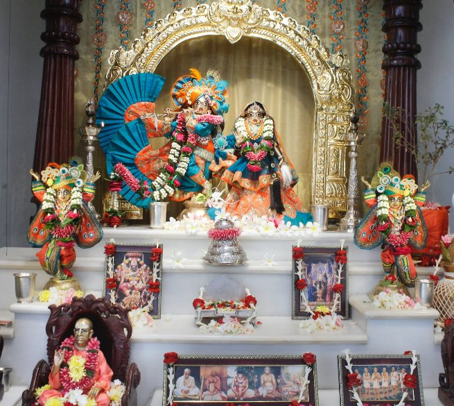 One must worship the lotus feet of the Acharya and live within the society of devotees. Then one's endeavor to cross over nescience will surely be successful. SB 10.2.32  #harekrishna #harekrishnagoldentemple #SriLakshmiNarasimha https://t.co/hGegGL6iZH