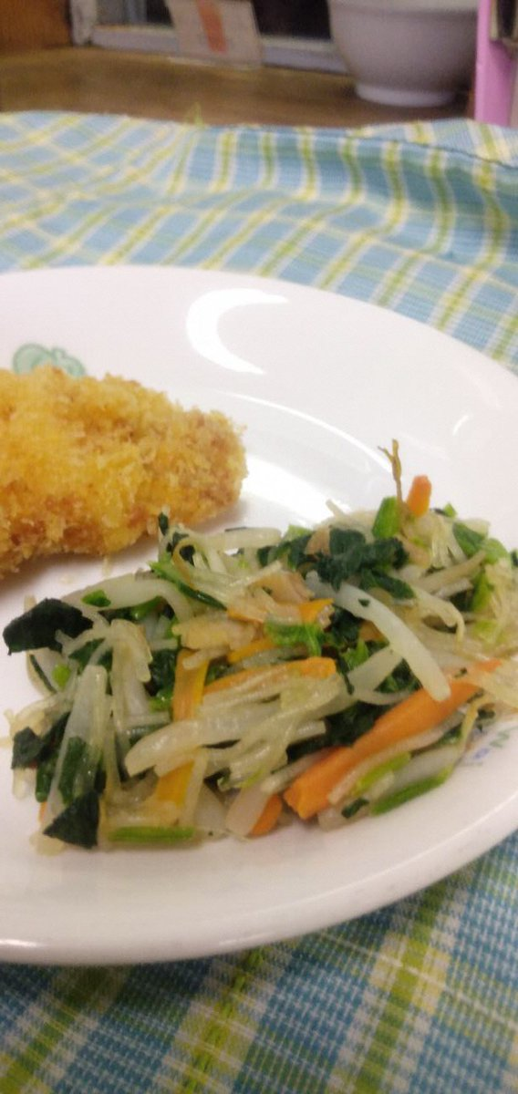 【クックパッド『武蔵野市の公式キッチン』を更新しました】クックパッド『武蔵野市の公式キッチン』に保育園給食から「ほうれん草と春雨の炒め物」「野菜きんぴら」「さつまいもパン」を公開しました。子どもたちに人気のメニューをぜひお試しください。