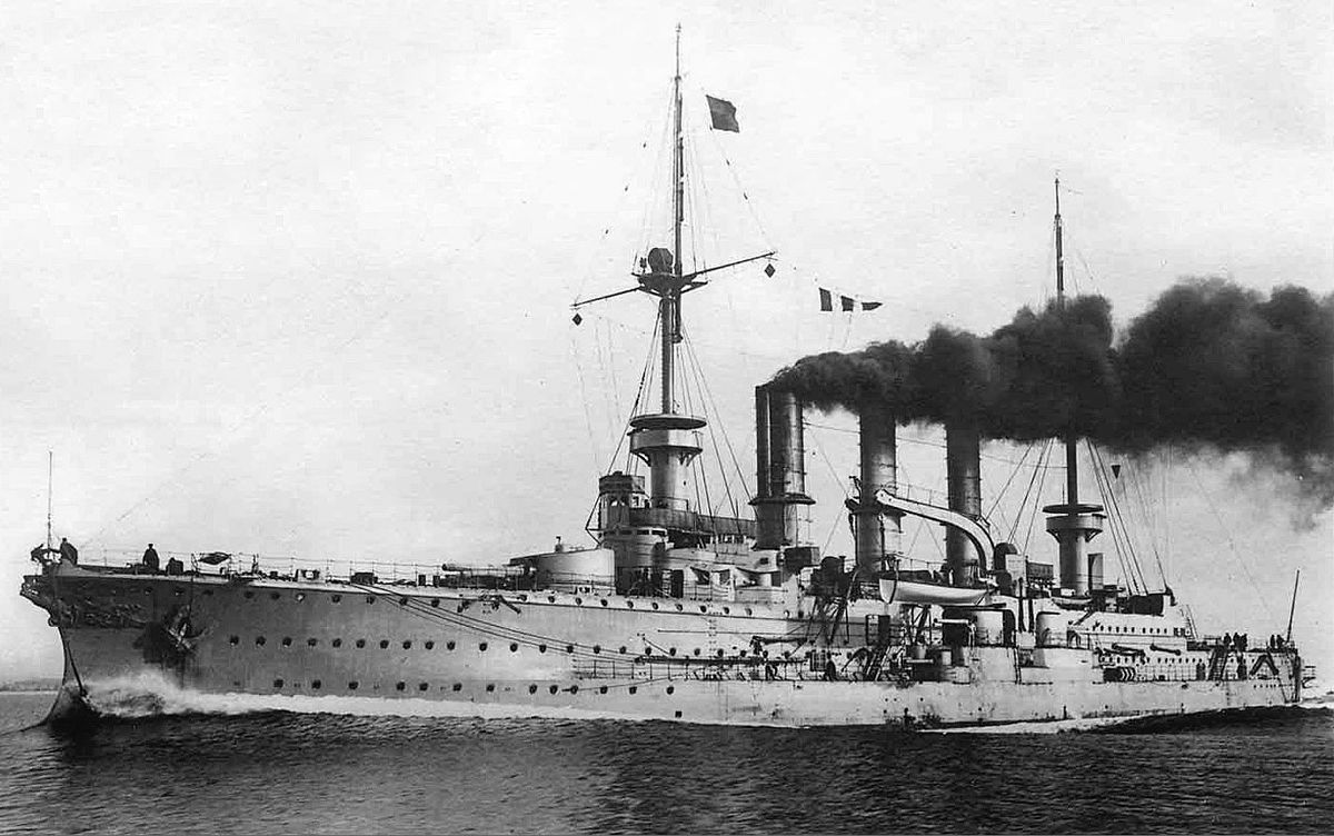 #OTD 1915, German cruiser Prinz Adalbert, built Kiel early 1900s, sunk by British submarine E-8 in Baltic. Torpedo detonated ammunition magazines & destroyed ship. She sank quickly & only 3 men rescued from 675 crew. Was worst #German naval disaster in #Baltic during #WW1. #navy https://t.co/xcLoM0COMx