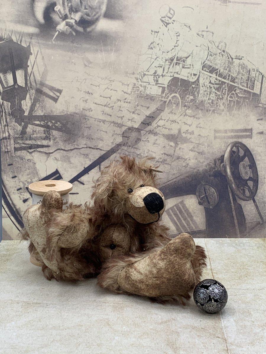 Ich freue mich, den jüngsten Neuzugang in meinem #etsy-Shop vorzustellen: Bärino Bär Künstlerbär https://t.co/zoY88UeVUG #baerino #baer #bear #teddy #teddybear #teddybaer #handmade #shabby #vintage #unikat #ooak #oneofakind #love #bignose #bigfoot #bellybutton #love https://t.co/ftP6jyTGD3