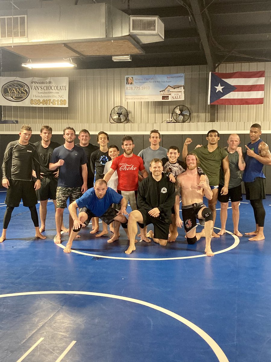 I bet if you'd stepped on this mat tonight, you would've gotten tapped. Bet.   #AmericanTopTeam #Asheville #Wrestling #NoGi #OkLetsGo #AvLMMA https://t.co/RaUv1BEhl3