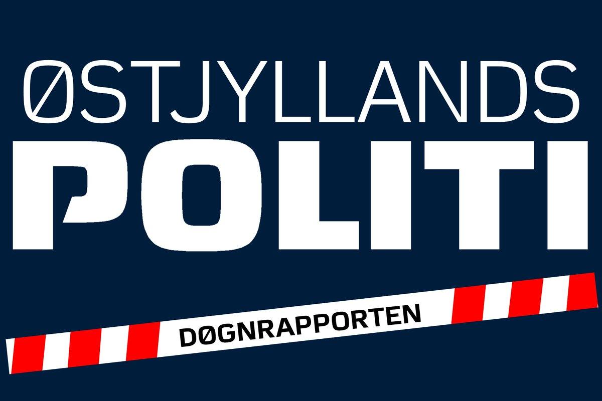 En 16-årig dreng på knallert reddede sig en større vifte af sigtelser, efter at han torsdag omkring kl. 13.13 påkørte en betjent på Porsgrunnsvej i Aarhus. Mere i dagens uddrag af døgnrapporten. #politidk https://t.co/kMizI0WF51 https://t.co/LHEhlkUJc1
