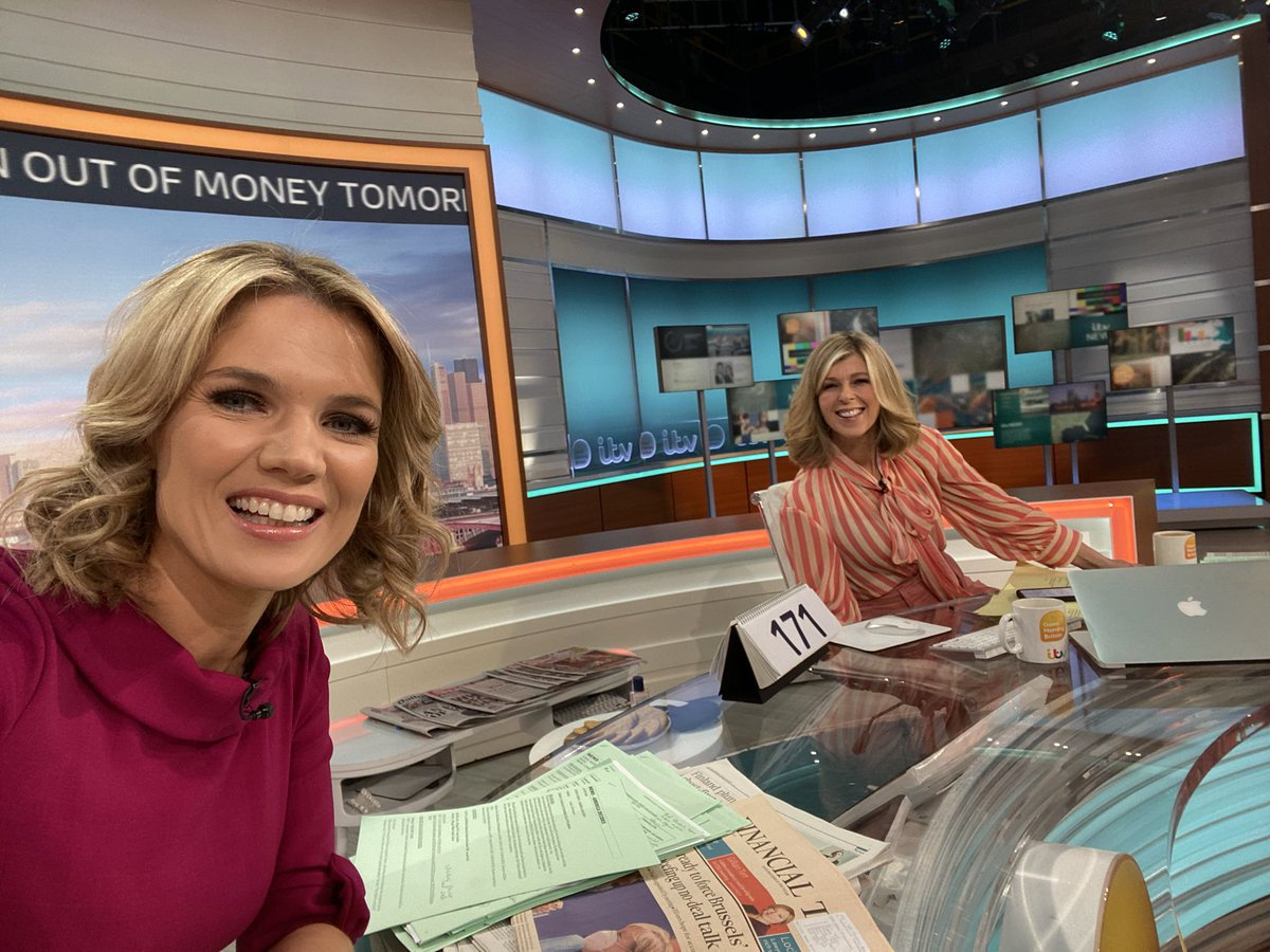 Morning! I'm on @GMB this morning with @kategarraway until 9am.. come & say hello! 👋