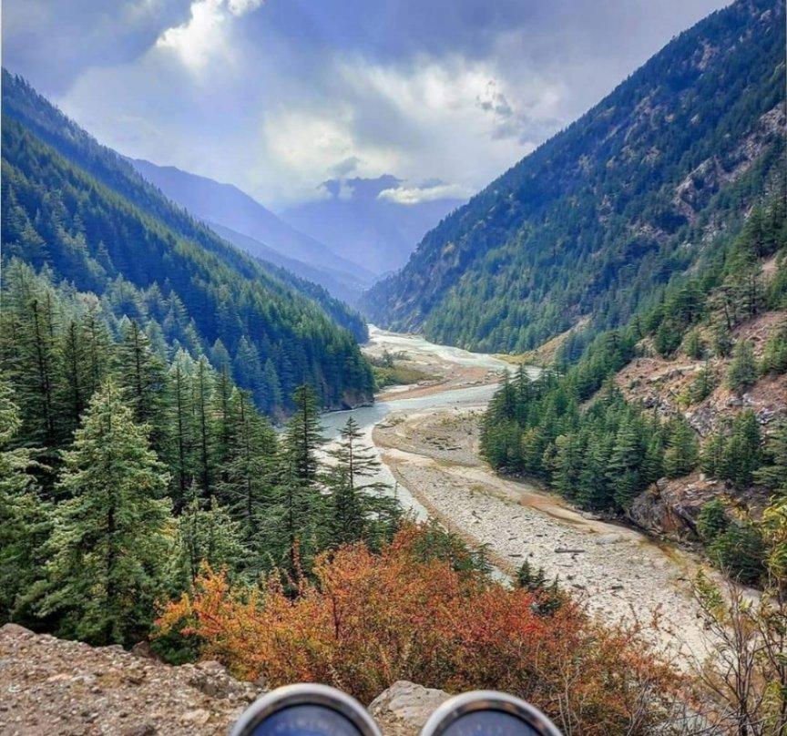 @AdvaitaKala Harshil valley🏞️ on the way to #Gangotri 🙏🏻 #Uttrakhandheaven #IncredibleIndia https://t.co/fQBhOVL0HF