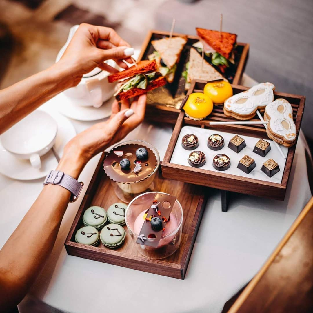 We love an elegant afternoon tea, especially at @KempinskiRiga. #Kempinski #KEMPINSKIDISCOVERY #DiscoveryLoyalty https://t.co/CwxuRzYmwr