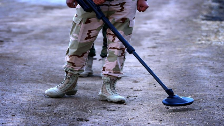 A #UnitedNations mines expert said nearly 3 billion square metres in #Iraq are contaminated with mines and remnants of war. Read more here: iraq-solidarity.blogspot.com/2020/10/3bn-sq…