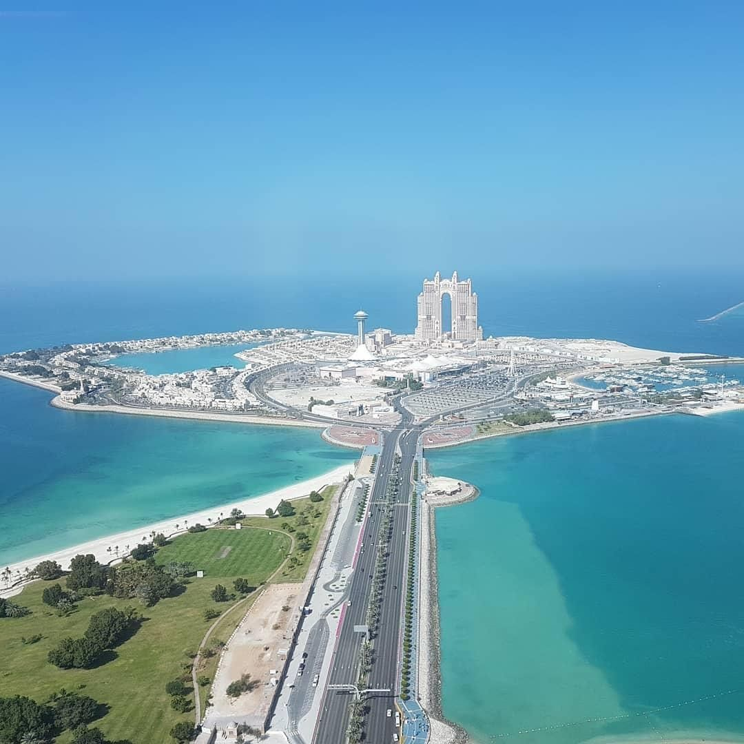 This route leads to your dream vacation #InAbuDhabi!⁣ ❤️  Your extraordinary moments are waiting for you, until then #StaySafe⁣ 📸 shanofmohammed/Instagram https://t.co/wRwdKjbrvs