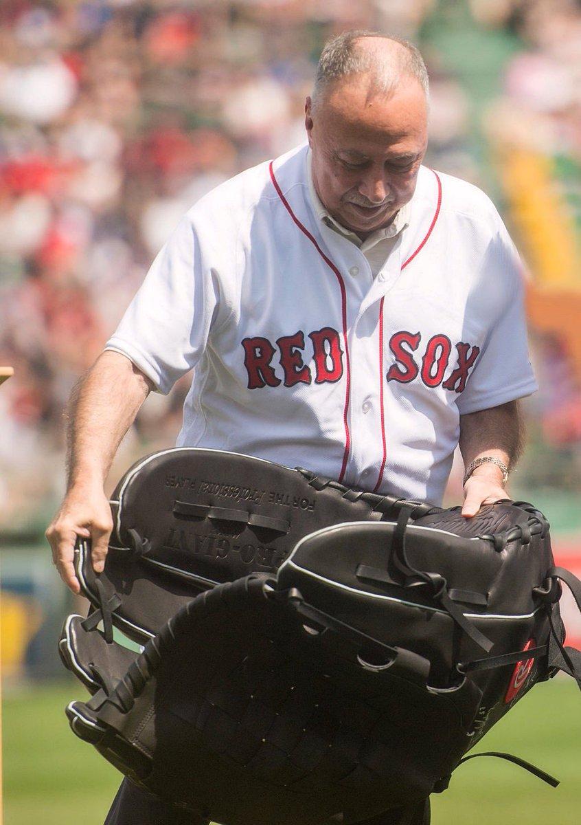 GloveGate!  Deals on Red Sox Merchandise https://t.co/pCyLzJt0uu https://t.co/ssLckS8O3I