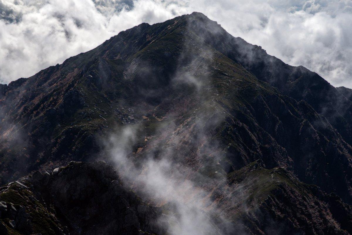 山のダイナミックな風景をまた見たい #PENTAX #山岳風景 #風景写真 https://t.co/n1JGXeI2eY