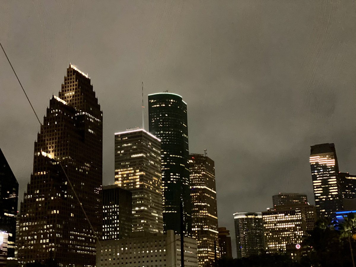 Creepy morning in downtown Houston! Perfect to check out Houston's haunted spots. We're live on @CW39Houston with @McKinneysHOU! #cw39 #houston #wheresmaggie https://t.co/EziLPy1Kf6