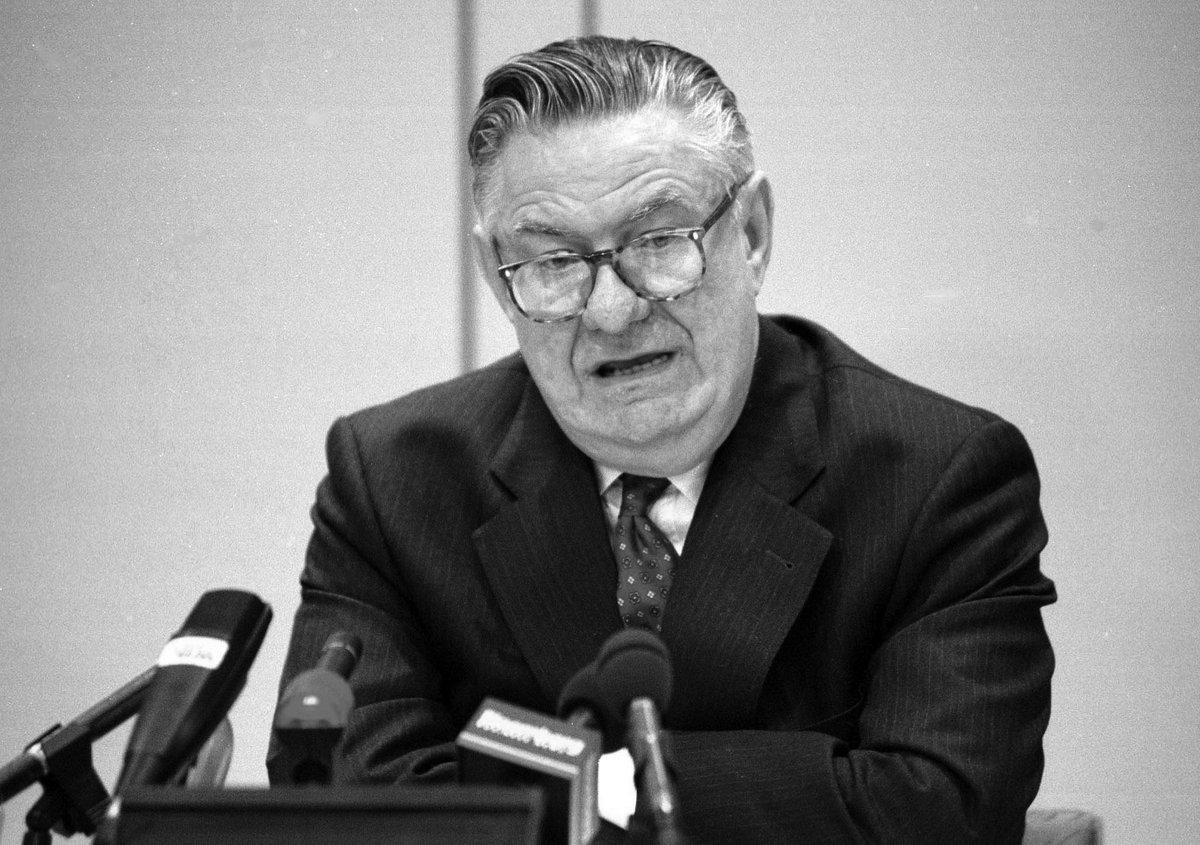 Belgische oud-centralebankier Fons Verplaetse overleden https://t.co/0ERI1DaGk3 https://t.co/FJrPWMK3PQ