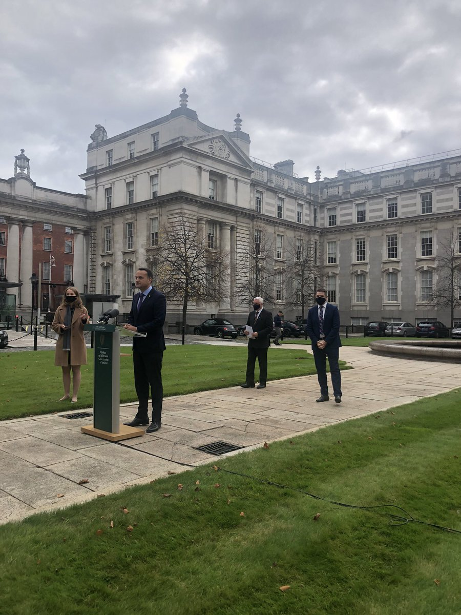 Tánaiste @LeoVaradkar begins addressing issues relating to possible escalation of alert levels and NPHET recommendations. Also announced 700 new jobs by distribution company DPD Ireland. Report soon @IrishTimes https://t.co/w8kqkRBg4s
