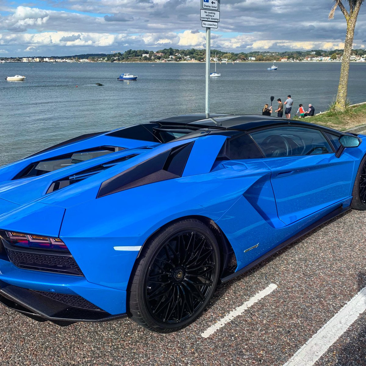 Unedited and bringing some colour into the Weekend. #sandbanks #poole #dorset #supercar https://t.co/pUDRRNZLmZ
