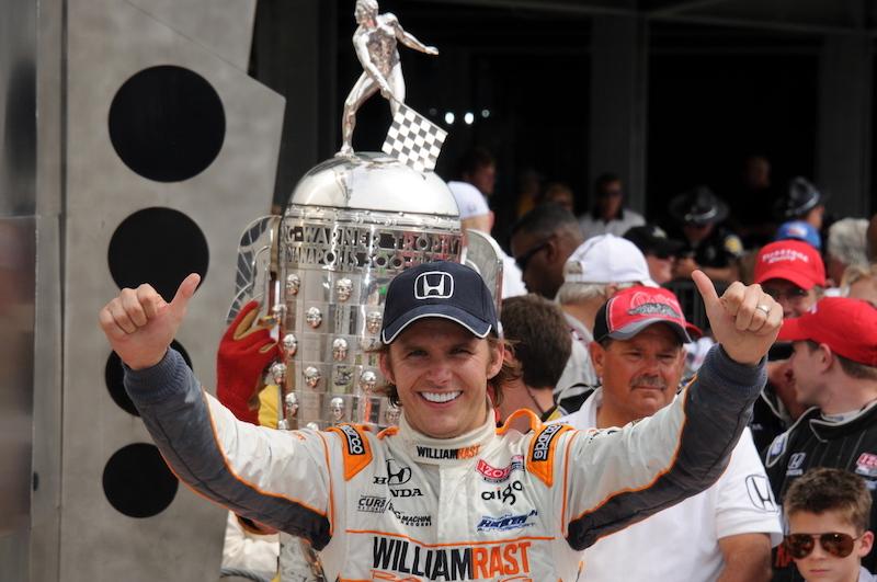 Es día de recordar al gran Dan Wheldon.  #LionheartForever #IndyCar #Indy500 https://t.co/MtCePSYOeK