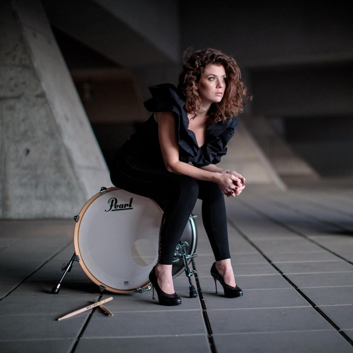 We're happy to announce that @aleksandrasuklar has joined the Pearl Family. We're looking forward to her new and upcoming projects.  Photographer: @stefanpanfili  #pearl #pearldrums #artist #percussionist #news #photoshooting #kickdrum #vienna #photography #music https://t.co/xQoN8RNmMT
