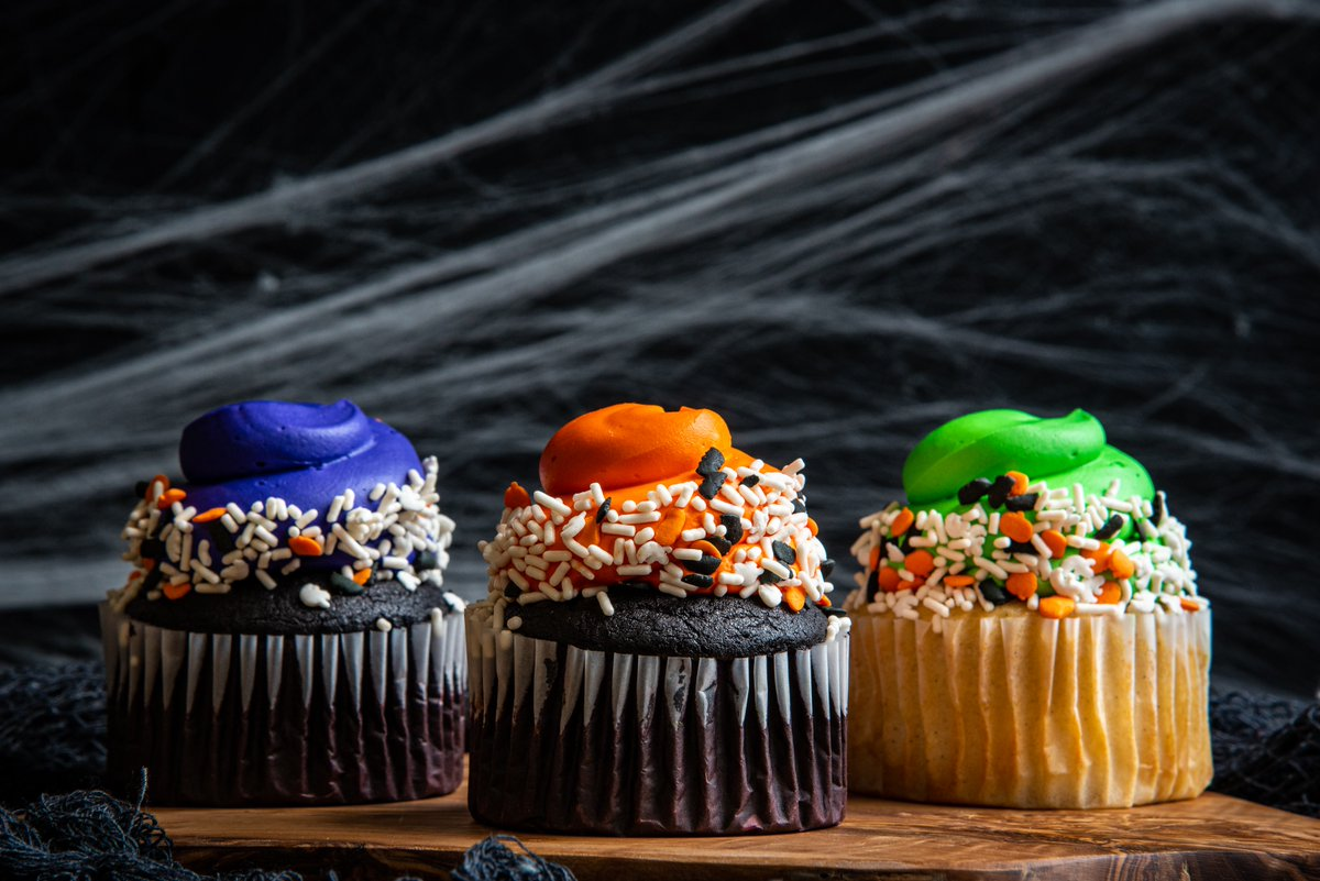 Spook-tacular Halloween treats are now available at the Sweet Shop! 🎃 Get these deliciously festive sweets at your local 4R now thru Oct. 31. https://t.co/ZhVYDqM4tO