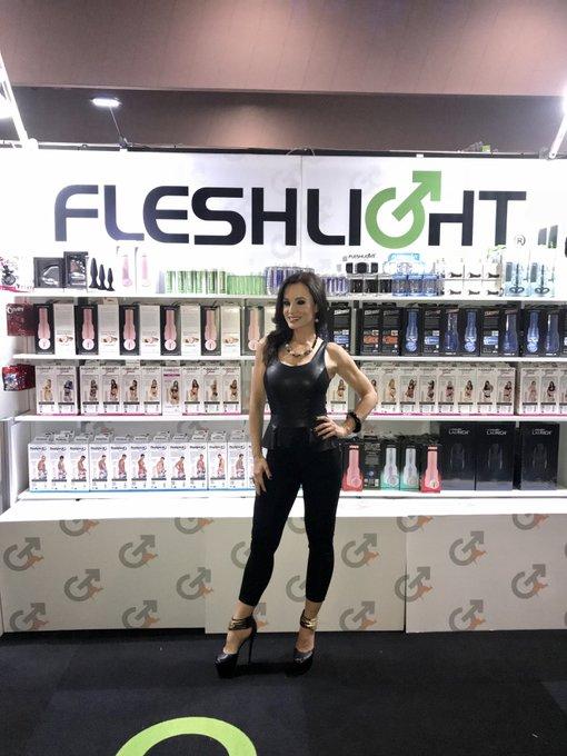 #FlashbackFriday 2018 @SexpoAustralia with @Fleshlight I loved every trip to Australia & I can't