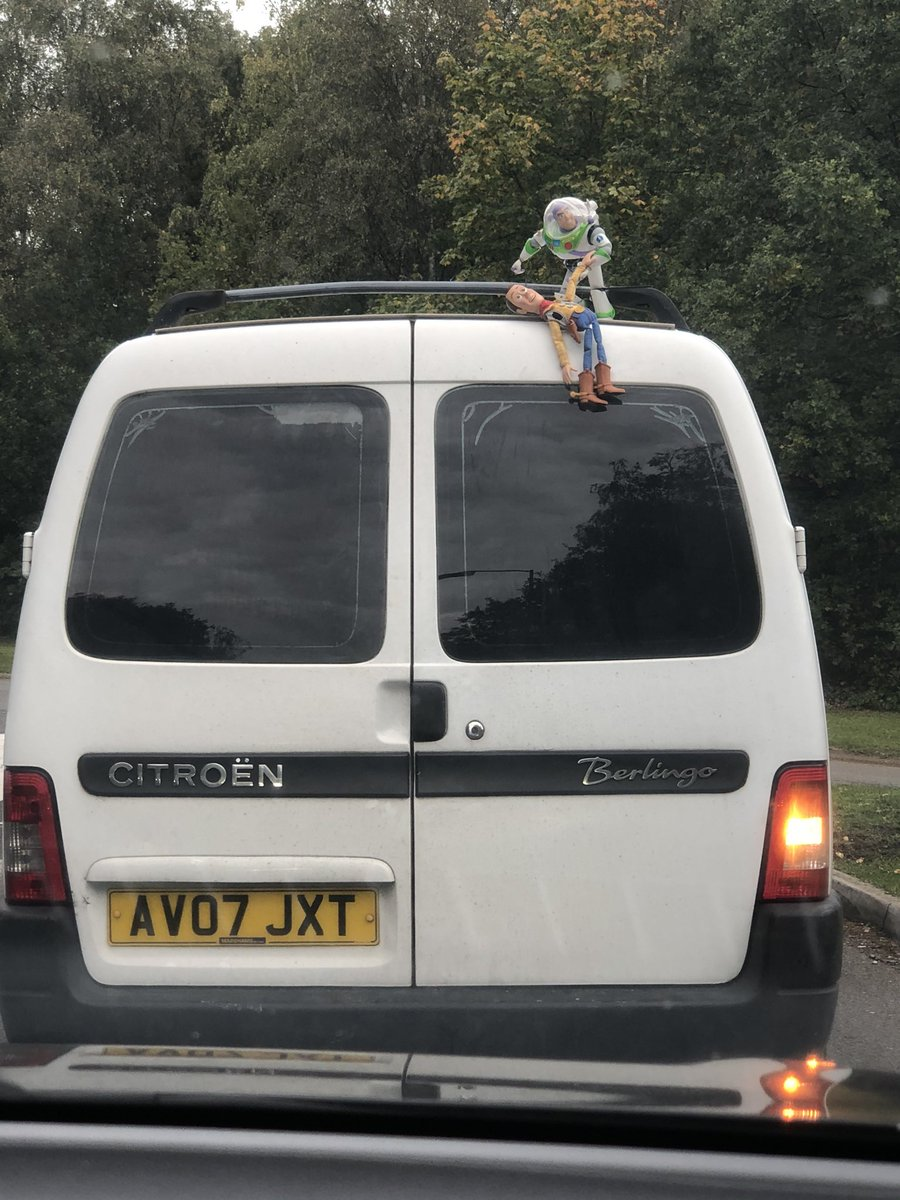 Made me chuckle on my journey home this afternoon #toystory #woody #buzzlightyear https://t.co/ZLymkVfAbW