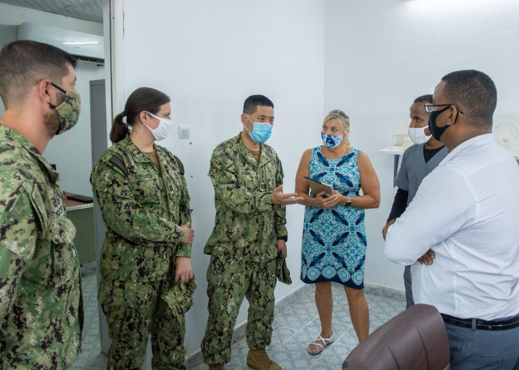 A #USNavy Microbiologist delivers mosquito surveillance equipment to The National Institute of Public Health of Djibouti as part of a research study to document the presence of disease-transmitting insects in local communities & enhance future research partnerships.