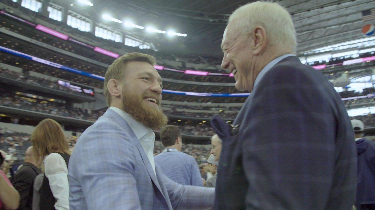 Dallas Cowboys takımının sahibi Jerry Jones olası bir Conor McGregor maçına ev sahipliği yapmak istediklerini söyledi.  Conor McGregor 23 Ocak'ta yapacağı Dustin Poirier maçı için Dallas Cowboys takımının stadını istediğini daha önce dile getirmişti. https://t.co/w8LHn8QmTZ
